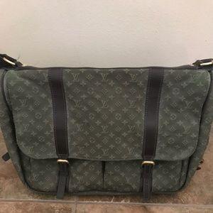 7e7c195d4976 Louis Vuitton diaper bag. Great condition!